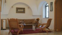 OLD CITY charm apartment in Jewish Quarter  Strictly kosher kitchen, clean and comfortable. Sleeps 4. Large roof with Har Habayit view