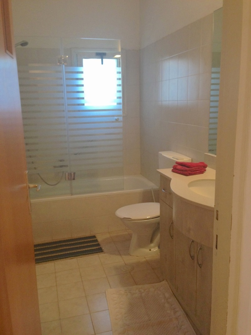 Two immaculate bathrooms, one shower and one bathtub