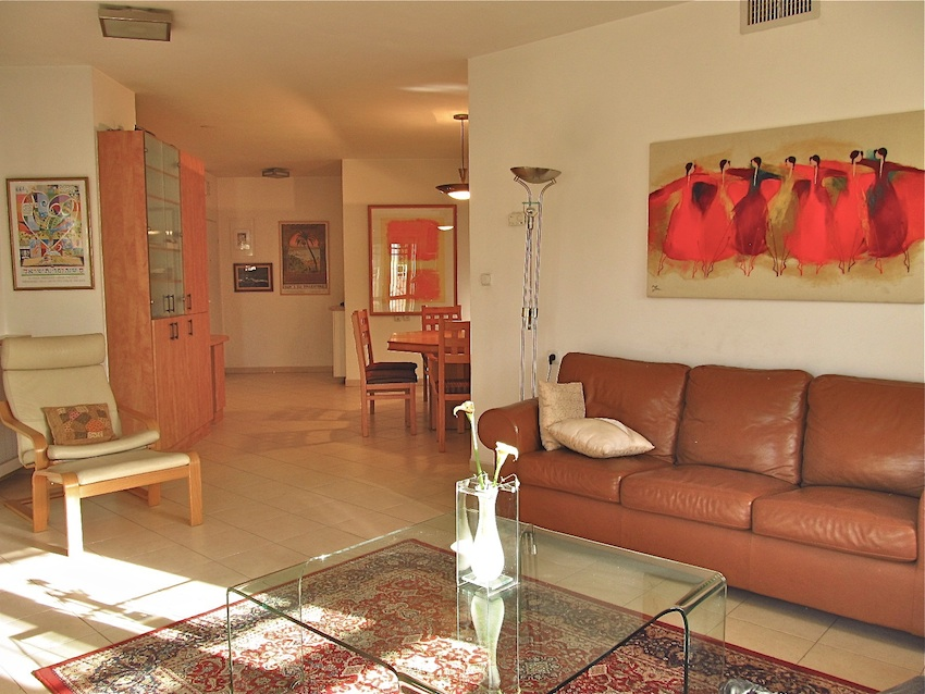 Beautiful! Parking, handicapped access,  Easy walk to Old City, Emek, Hartman more...